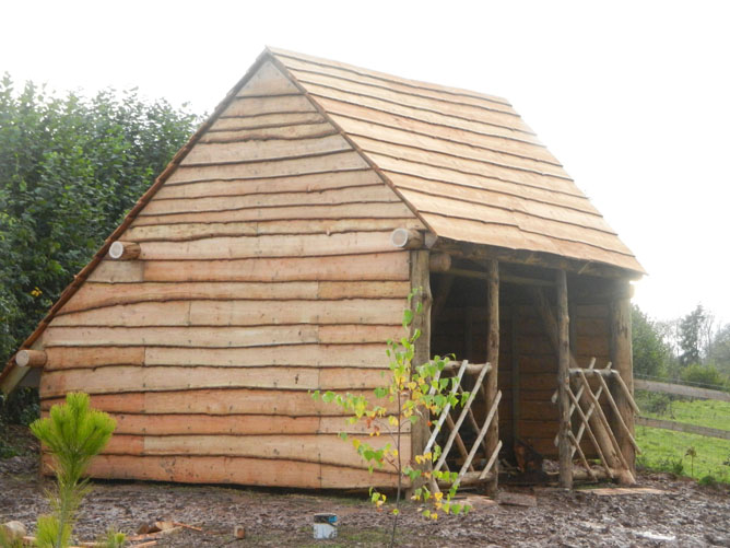 Rustic structures rustic garden structures and buildings for Small wooden structures